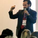 O professor Rogerio Leme, Diretor de Desenvolvimento Organizacional da ABRH Brasil, palestra no Espaço Carreira do ConaRh 2015
